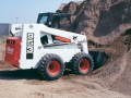 The 50 Series 953 replaced the 943. The 2,400-lb. rated 953 had a 3,87 L Perkins diesel engine.