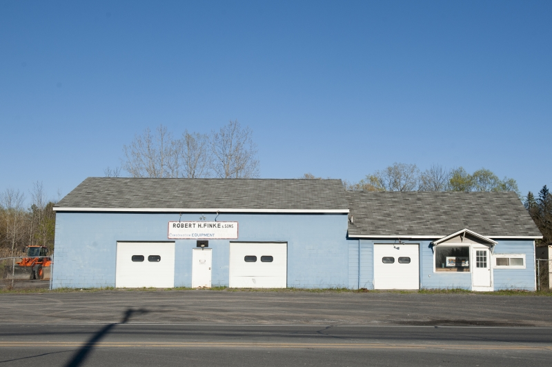 Finke Equipment's former sales, service and repair center